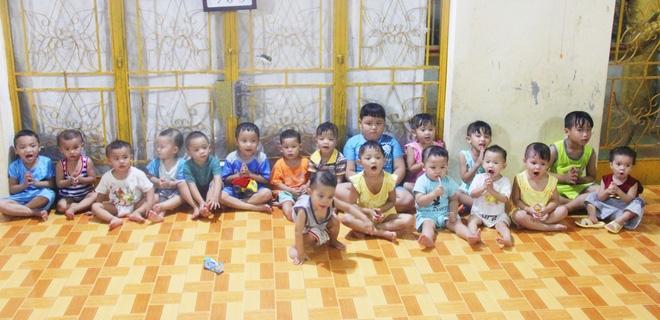 22 đứa trẻ mồ côi, bị bố mẹ bỏ rơi tại Tịnh xá Ngọc Tuyền: Chúng con thèm được cô chú ẵm bồng - Ảnh 2.
