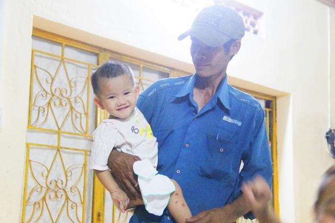 22 đứa trẻ mồ côi, bị bố mẹ bỏ rơi tại Tịnh xá Ngọc Tuyền: Chúng con thèm được cô chú ẵm bồng - Ảnh 9.