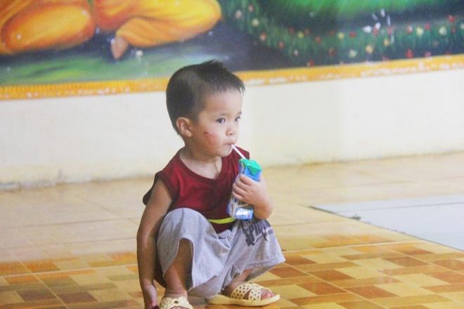 22 đứa trẻ mồ côi, bị bố mẹ bỏ rơi tại Tịnh xá Ngọc Tuyền: Chúng con thèm được cô chú ẵm bồng - Ảnh 10.