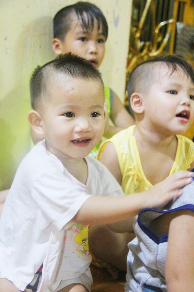 22 đứa trẻ mồ côi, bị bố mẹ bỏ rơi tại Tịnh xá Ngọc Tuyền: Chúng con thèm được cô chú ẵm bồng - Ảnh 11.