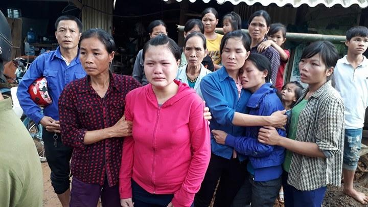 Cận cảnh hiện trường vụ sạt lở đất làm gần 10 người chết - 3