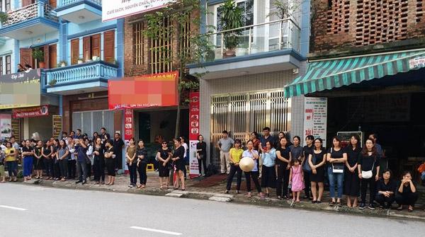 hoc sinh luong the vinh xep hang dai don linh cuu thay van nhu cuong ve truong - 1