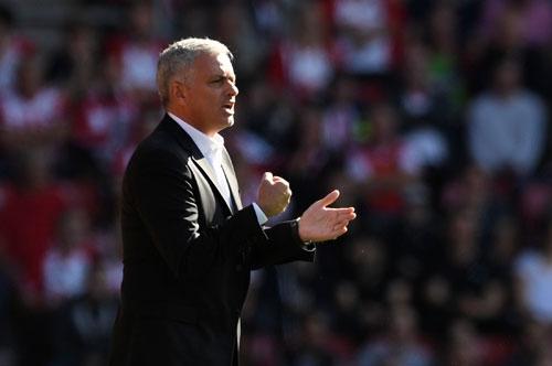 mourinho-man-utd-khong-can-chung-to-truoc-liverpool