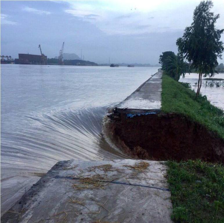 Chính trị - Xã hội - Nam Định: Triều cường dâng cao, 2 làng chìm trong biển nước