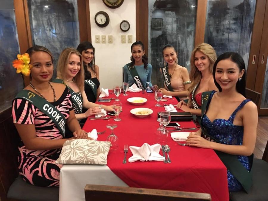 Váy xuyên thấu của Hà Thu ở Hoa hậu Trái đất gây tranh cãi