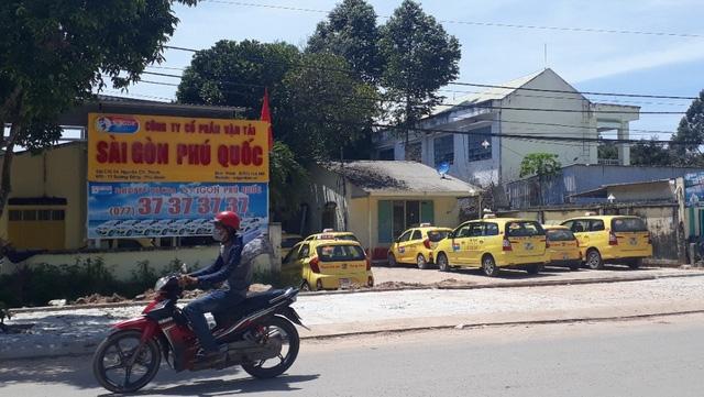 Vụ chạy taxi 873.000 đồng chỉ được chia 29.000: Vì tài xế chạy xe đi chơi - Ảnh 1.