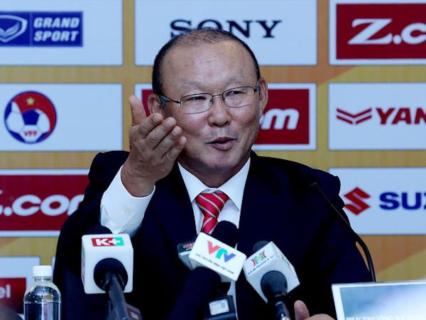 V-League èo uột, HLV Park Hang Seo lấy gì để nâng tầm đội tuyển?