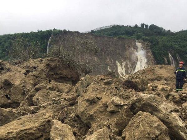 Vụ sạt lở đất ở Hoà Bình: Có thể nổ mìn để tìm kiếm các nạn nhân