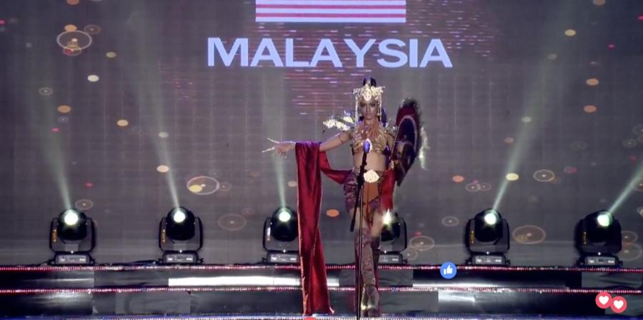 Clip: Huyền My mặc quốc phục hoành tráng, tỏa sáng trên sân khấu Miss Grand International 2017 - Ảnh 12.