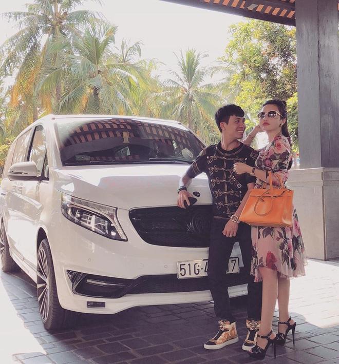 Clip: Kỷ niệm 4 năm ngày cưới, đại gia Minh Nhựa mang chiếc Jaguar XF gần 4 tỷ đồng ra bãi biển Phan Thiết làm quà tặng vợ - Ảnh 4.