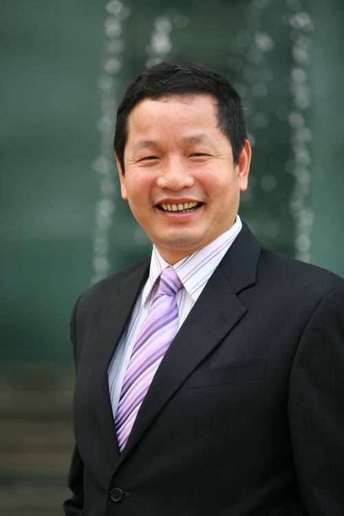 ong-truong-gia-binh-doanh-nhan-40-cang-phai-dan-than-doi-moi