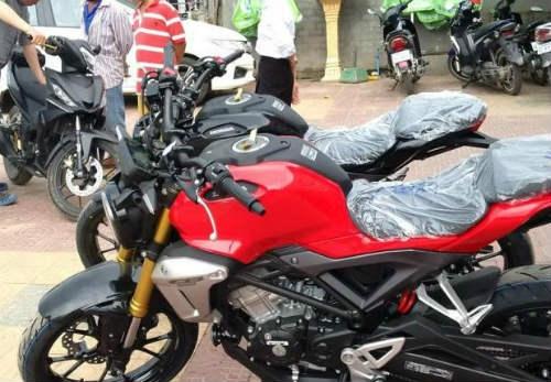 Rộ tin Honda CB150R ExMotion giá 68 triệu đồng đã về Việt Nam - 1