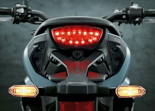 Rộ tin Honda CB150R ExMotion giá 68 triệu đồng đã về Việt Nam - 6
