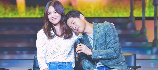 Cuối cùng thiệp cưới chính thức của Song Joong Ki và Song Hye Kyo cũng lộ diện  - Ảnh 2.