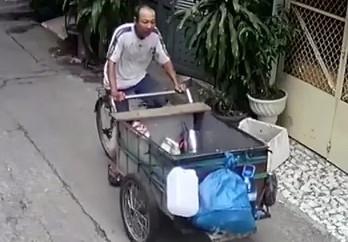 Truy tim nghi can dam chet nguoi tren via he Sai Gon hinh anh 1