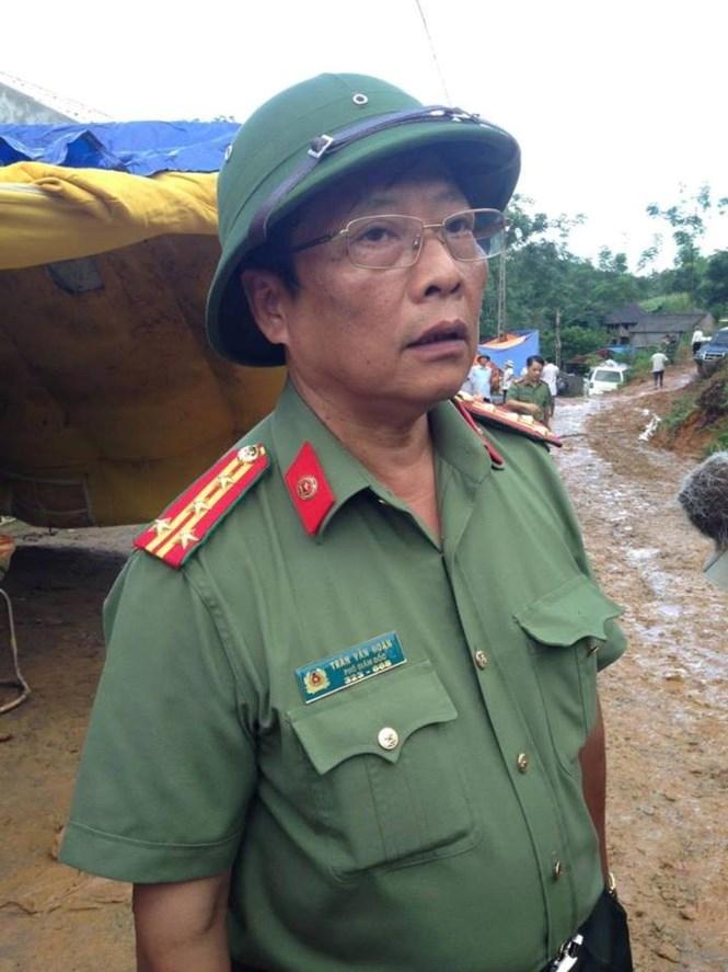 Vụ sạt lở đất ở Hoà Bình: Có thể nổ mìn để tìm kiếm các nạn nhân - ảnh 4
