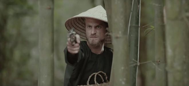 Chang Tay duoc 'san lung' sau khi xuat hien 3 giay trong MV cua My Tam hinh anh 1