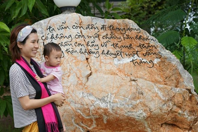 Cô gái triệu view và hành trình làm mẹ đơn thân bất đắc dĩ - Ảnh 4.