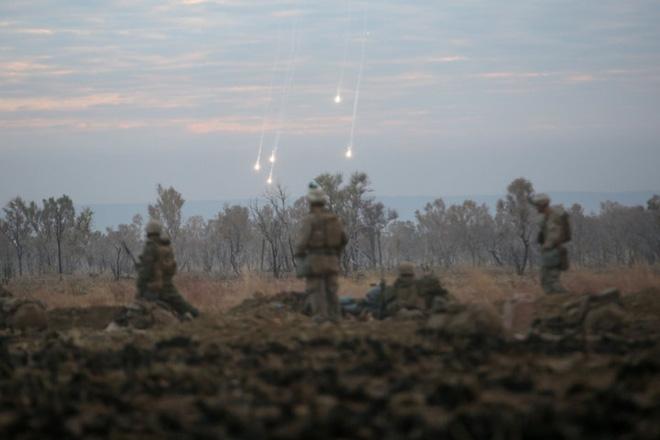 Ảnh: Thủy quân Lục chiến Mỹ huấn luyện khắc nghiệt trên khắp thế giới - Ảnh 2.