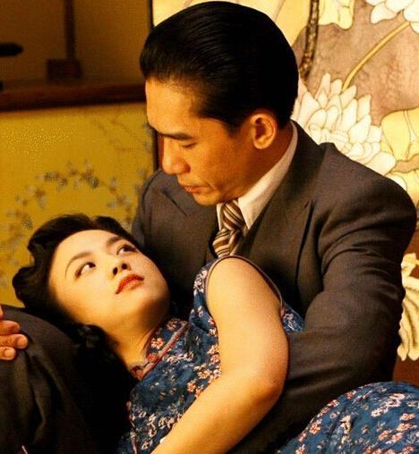 Điều ít ai ngờ về cảnh nóng bạo như thật gây sốc nhất lịch sử màn ảnh Hoa ngữ - 2