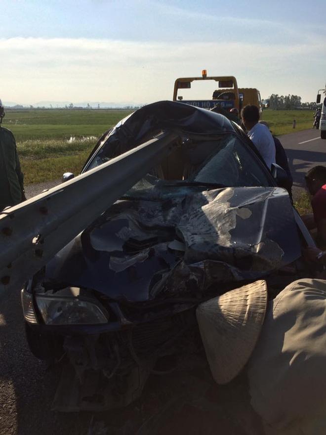 Hình ảnh vụ tai nạn ở Thanh Hóa khiến dân mạng đau đầu tranh luận - Ảnh 2.