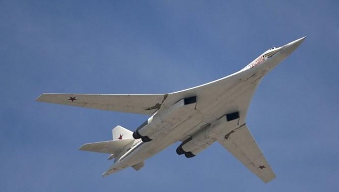 'Thiên nga trắng' Tu-160 - Niềm tự hào của Tổng thống Putin - ảnh 1