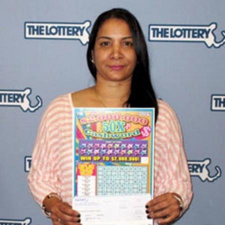 """Yokatia Rodriguez trúng số trị giá 1 triệu USD trước khi """"quên"""" không thanh toán 5 thỏi son trong siêu thị"""