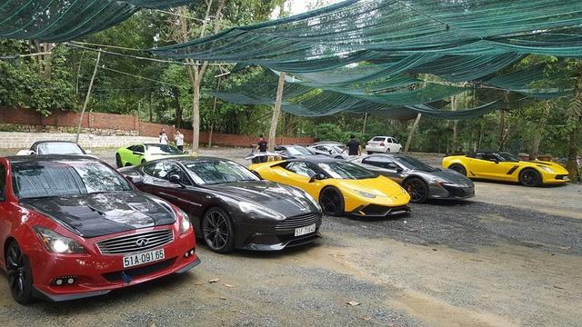 Xem hàng chục siêu xe của các đại gia Sài thành tụ tập trên phố vào cuối tuần - Ảnh 14.
