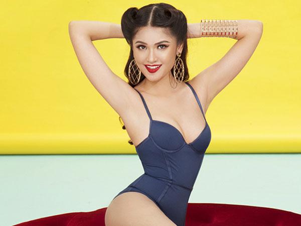 Á hậu Thùy Dung mặc áo tắm khoe đường cong trước ngày thi Hoa hậu Quốc tế