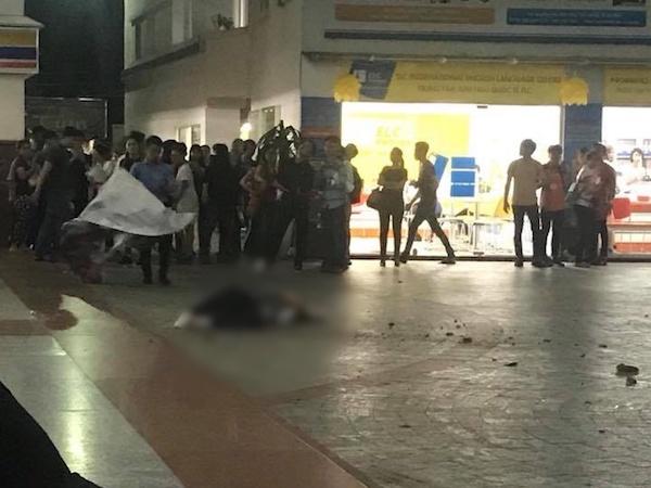 Trường Hutech đóng kín cổng sau khi một nam sinh viên tử vong thương tâm vì bê tông từ trên cao rơi trúng đầu