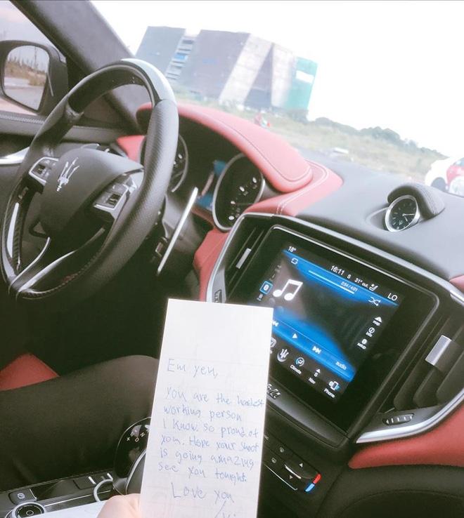 Hà Hồ hạnh phúc khoe bức thư tay ngọt ngào Kim Lý gửi ngày đầu tuần - Ảnh 1.