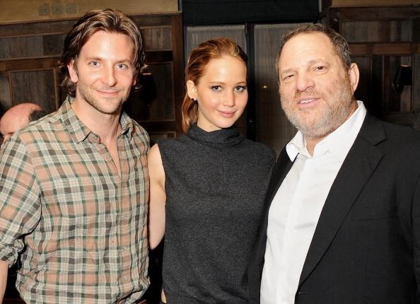 Jennifer Lawrence tung bi ep chup anh nude tap the va ga tinh hinh anh 3