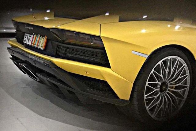 Lamborghini Aventador S độc nhất Việt Nam của đại gia quận 12 đã ra biển trắng, giá ước tính 48 tỷ Đồng - Ảnh 4.
