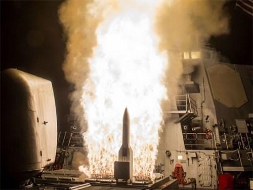 Mỹ phóng thử thành công tên lửa đánh chặn SM-6 - Ảnh 1.