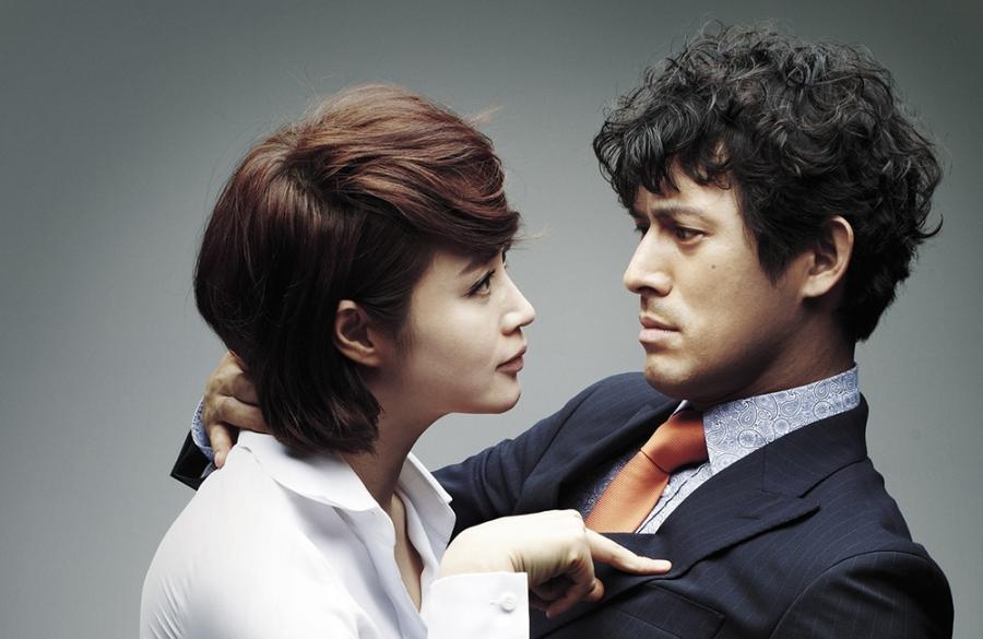 Quyền lực chị đại Kim Hye Soo ở làng phim Hàn: Bạn diễn nam toát mồ hôi hột, cả phim trường nín thinh! - Ảnh 2.