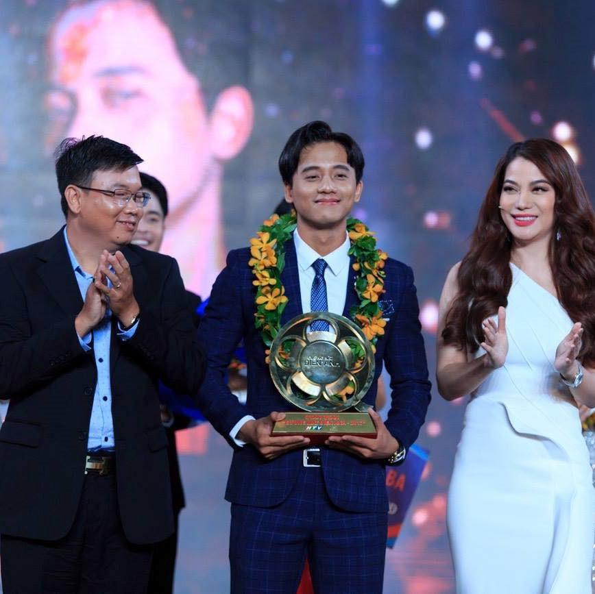 Vi sao Mai Tai Phen tro thanh nam chinh trong 2 MV hot nhat hien nay? hinh anh 6