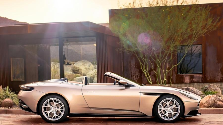 Xe sang Aston Martin DB11 mui tran chinh thuc mo ban hinh anh 2