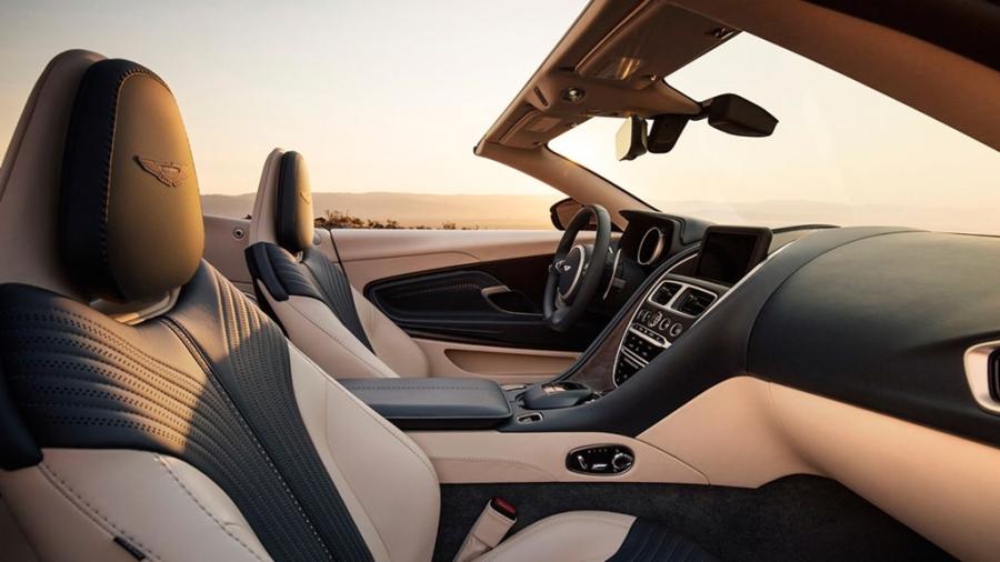 Xe sang Aston Martin DB11 mui tran chinh thuc mo ban hinh anh 7