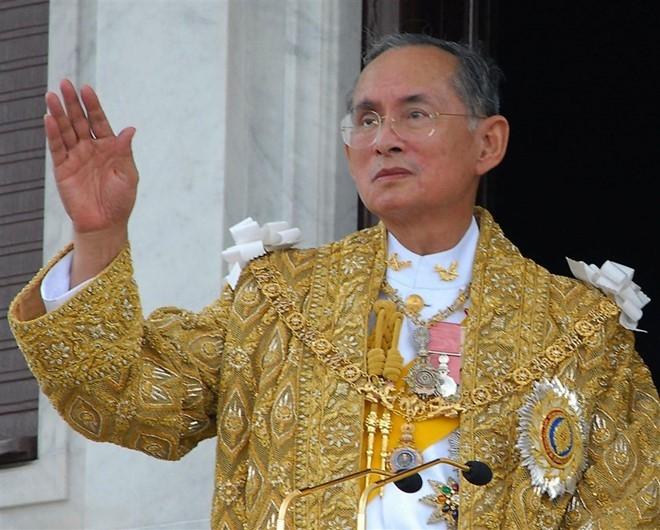 Có gì trong lễ tang 30 triệu USD của cố vương Thái Lan Bhumibol Adulyadej? - Ảnh 1.