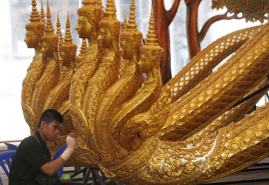 Có gì trong lễ tang 30 triệu USD của cố vương Thái Lan Bhumibol Adulyadej? - Ảnh 6.