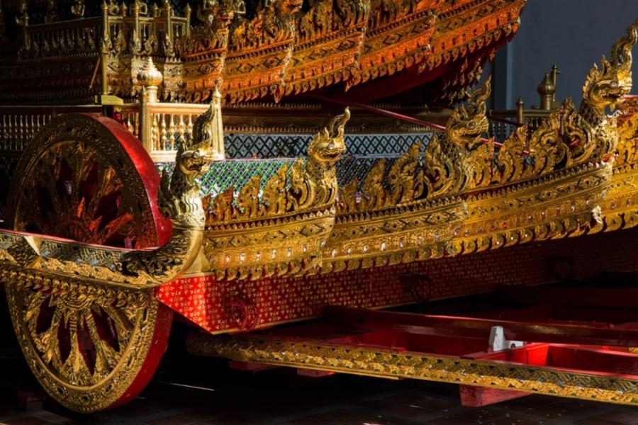 Có gì trong lễ tang 30 triệu USD của cố vương Thái Lan Bhumibol Adulyadej? - Ảnh 8.