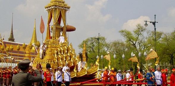Có gì trong lễ tang 30 triệu USD của cố vương Thái Lan Bhumibol Adulyadej? - Ảnh 9.