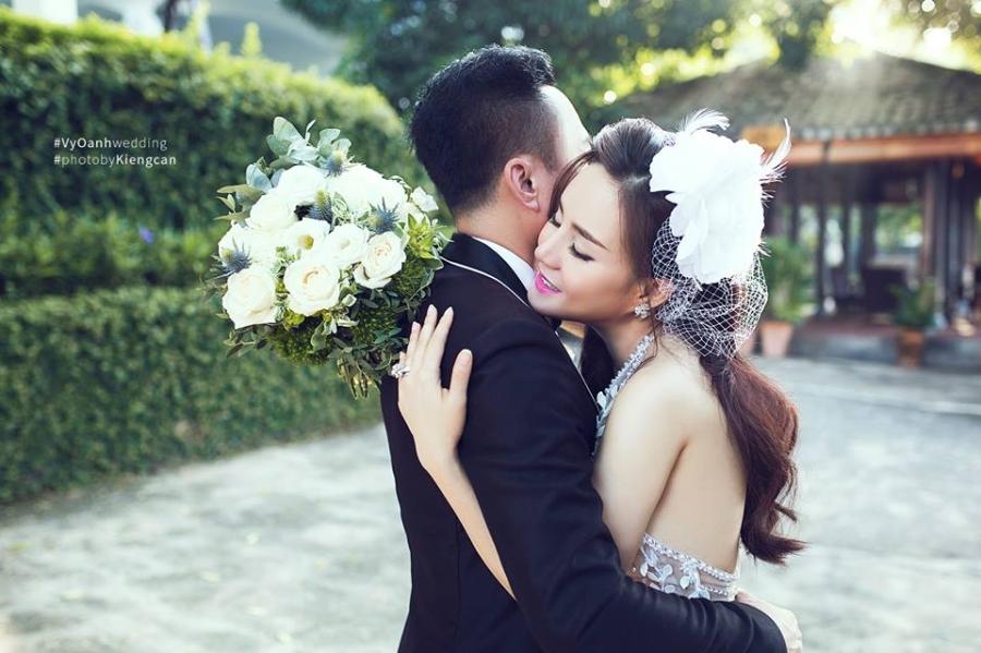 Hé lộ thêm ảnh cưới của Vy Oanh và chồng đại gia - Ảnh 3.