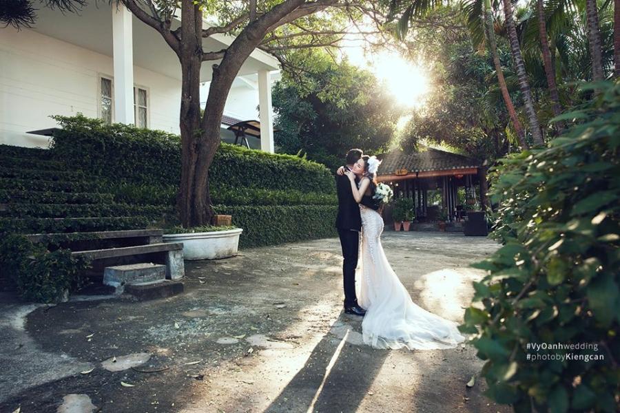 Hé lộ thêm ảnh cưới của Vy Oanh và chồng đại gia - Ảnh 6.