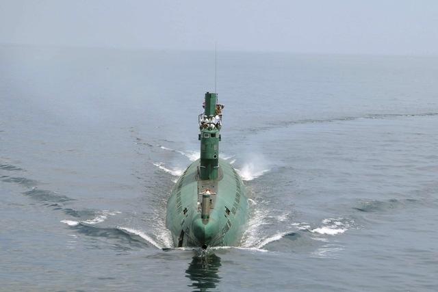 Tàu ngầm lớp Romeo của Triều Tiên (Ảnh: Reuters)
