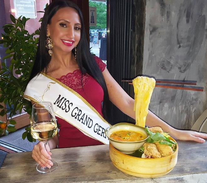 Nhan sắc gây sốc của nhiều thí sinh dự thi Hoa hậu Hoà Bình Quốc tế tại VN - Ảnh 13.