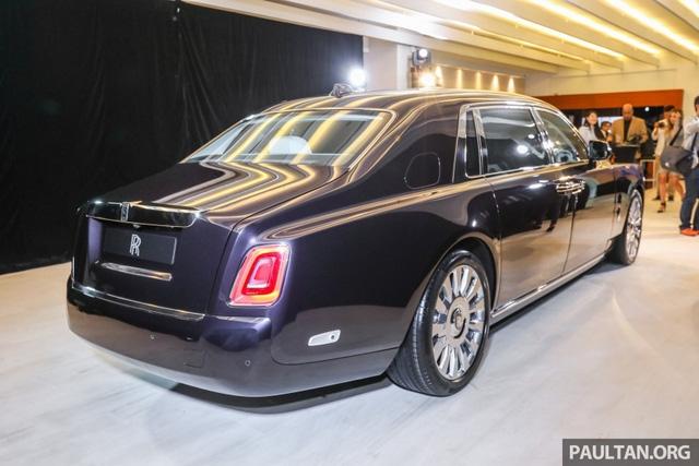 Xe siêu sang Rolls-Royce Phantom 2018 ra mắt Đông Nam Á với giá chưa thuế từ 11,8 tỷ Đồng - Ảnh 2.