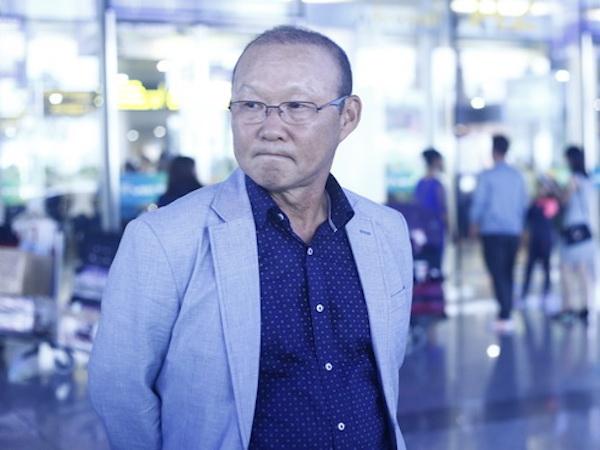 Bạn thân Công Phượng làm phiên dịch cho HLV Park Hang Seo
