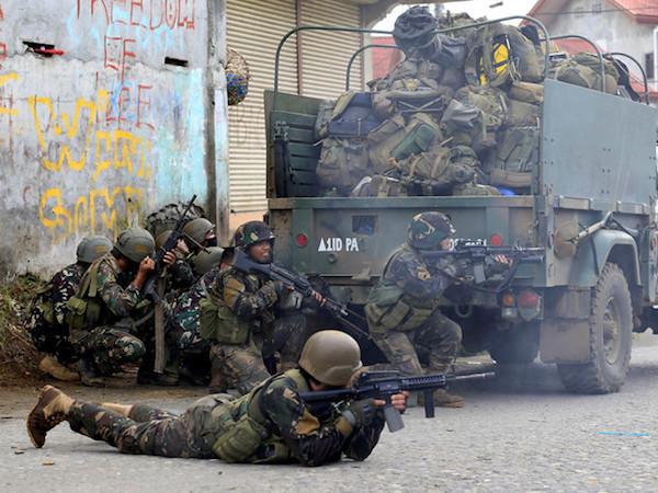 Philippines bắt góa phụ tuyển người nước ngoài cho phiến quân trung thành IS