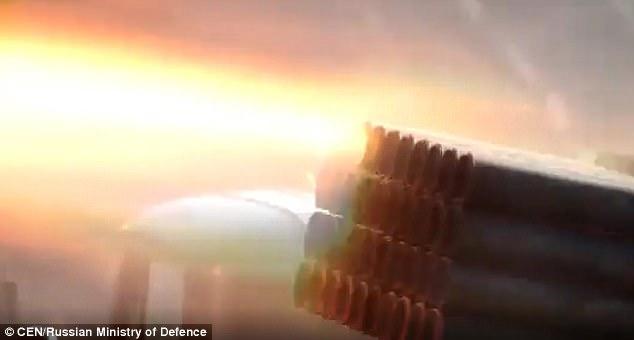 Hỏa lực từ vũ khí Nga trong cuộc tập trận ở Kamchatka (Ảnh: CEN)